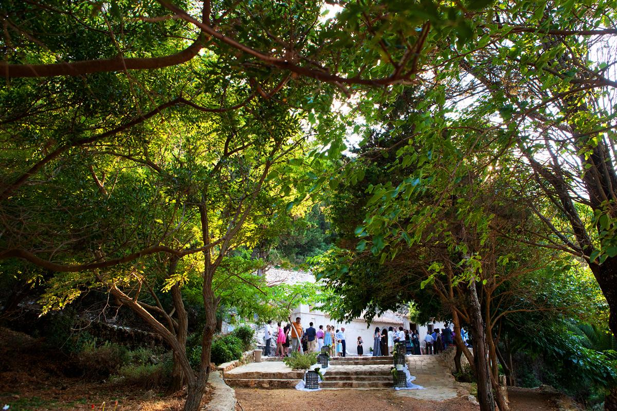 φωτογραφία γάμου από το  νησί της Λευκάδας ,φωτογραφίες από την προετοιμασία του γαμπρού
