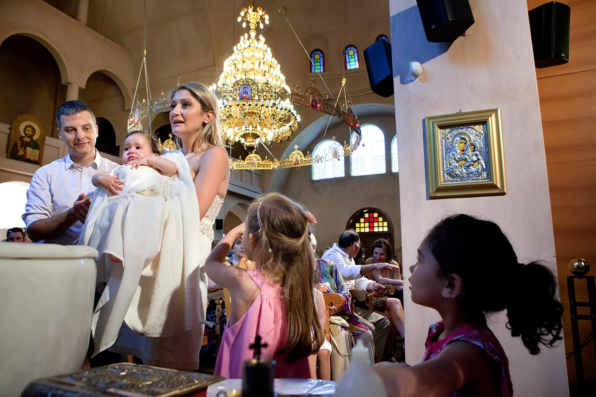 φωτογράφηση βάπτισης στο Πανόραμα της Θεσσαλονίκης , φωτογράφος γάμου από Θεσσαλονίκη.