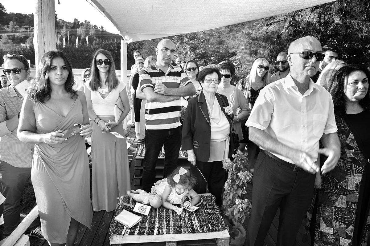 Ο γάμος της Ναυσικάς και του Σάββα. Φωτογράφιση γάμου.φωτογράφιση πολιτικού γάμου. φίλοι και συγγενείς των νεόνυμφων