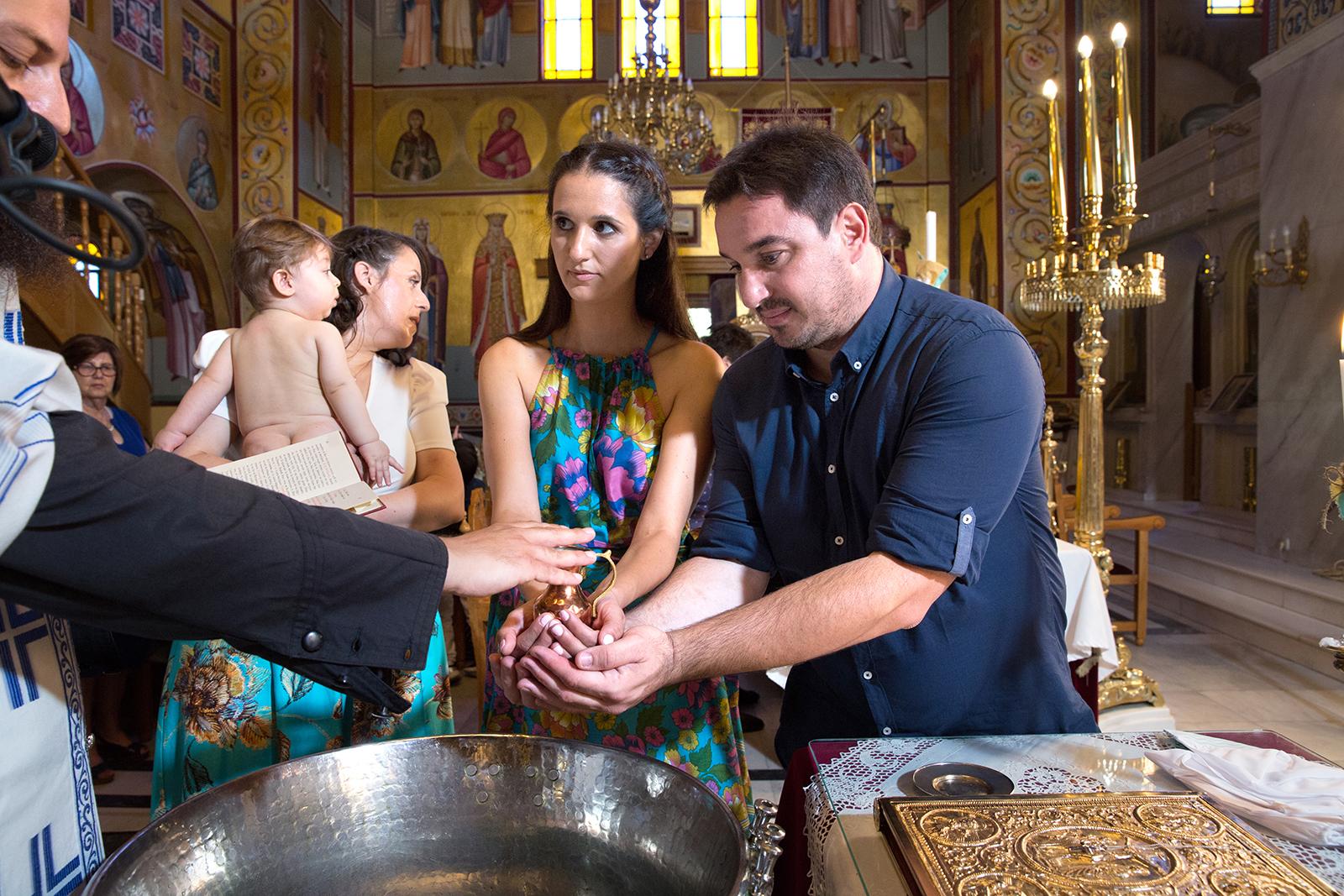 η βάπτιση του Ανδρέα, φωτογράφος βάπτισης Θεσσαλονίκης natfilp021