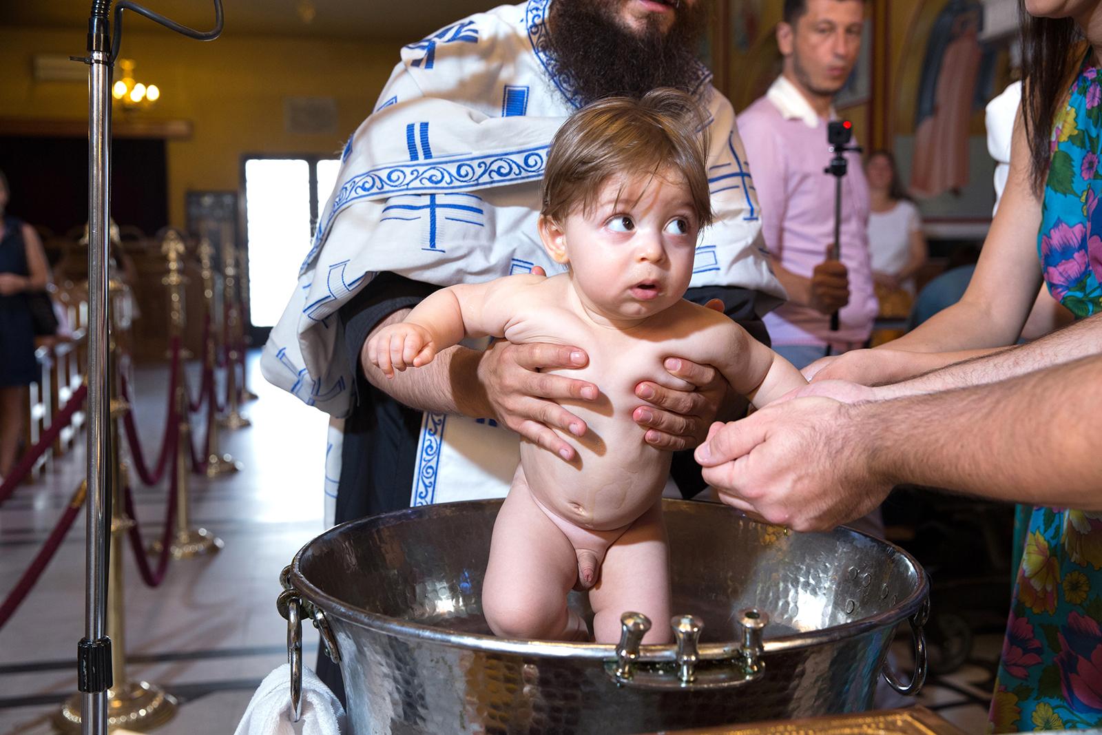 η βάπτιση του Ανδρέα, φωτογράφος βάπτισης Θεσσαλονίκης natfilp025